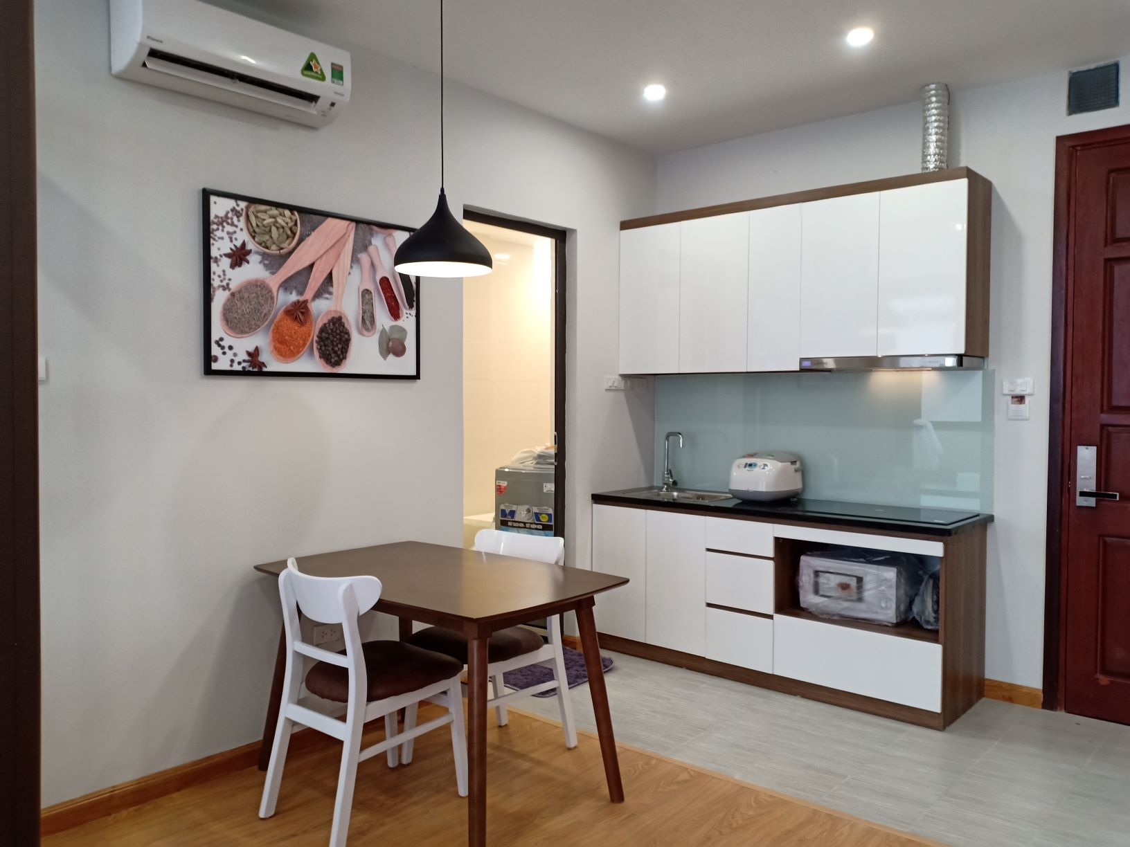 コウザイ区における新築のサービスアパート